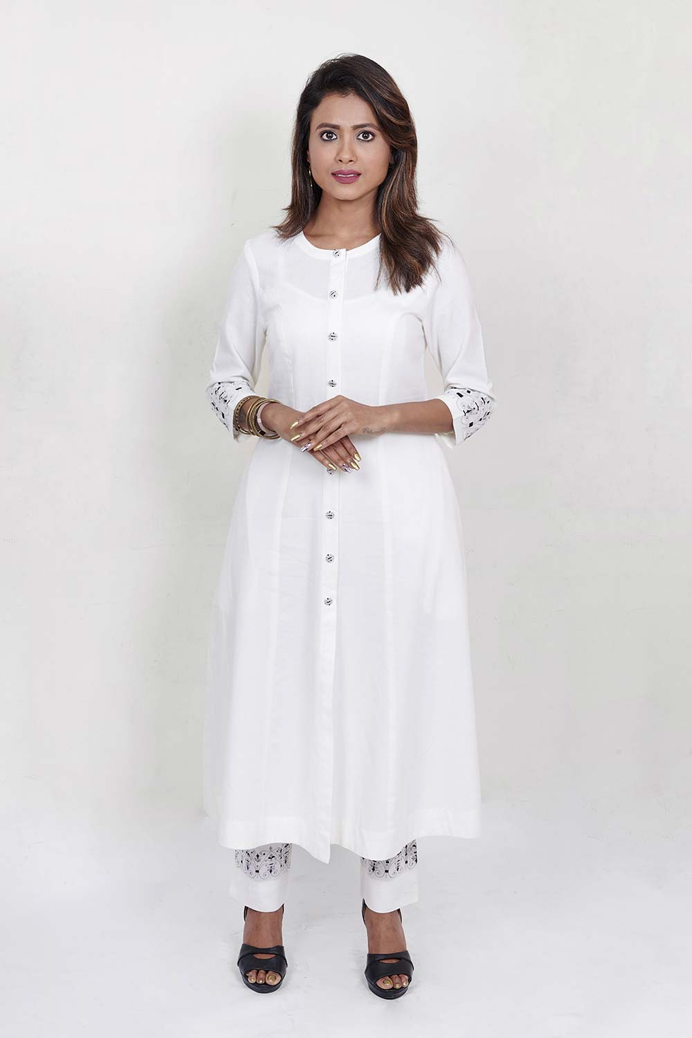 ROYAL GRID - White A-line embroidered kurta with front placket