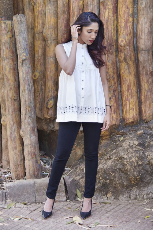 royal grid - sleeveless flaired white top