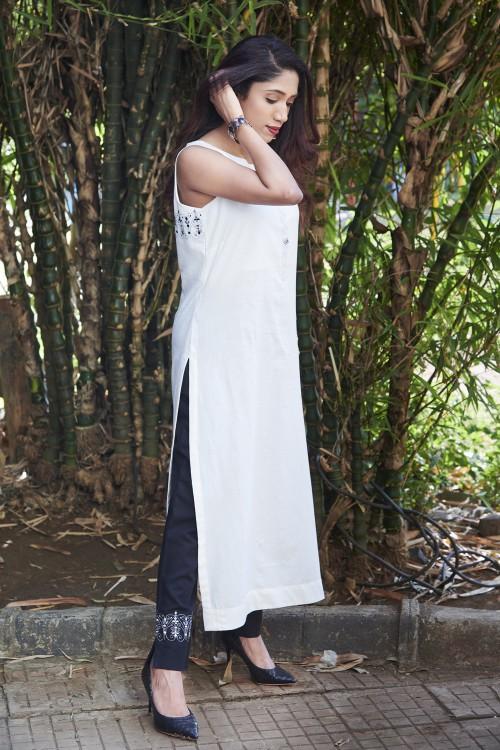 royal gird - sleeveless white  kurta